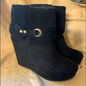 Juicy couture size 8 black boots